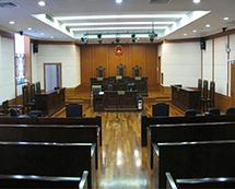 中山律师在庭审现场照
